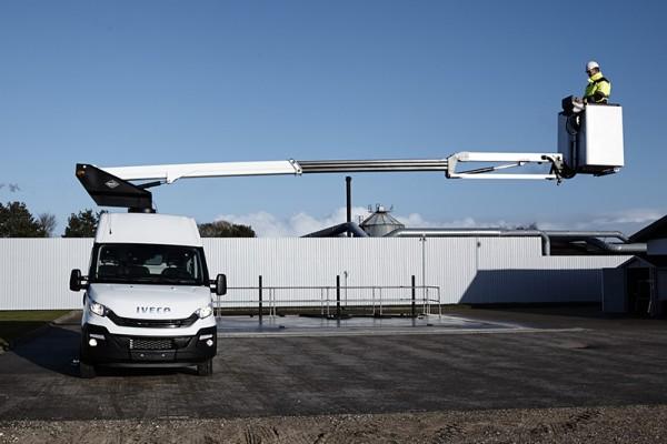 pracovná plošina na vozidle Iveco